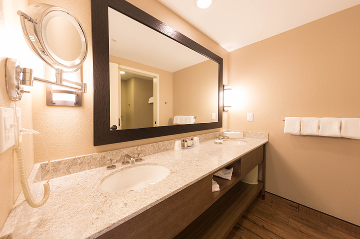 SOGweb_rooms_bathroom_722.jpg